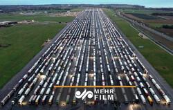 VIDEO: Trucks pile up at UK borders amid Covid mutation fears