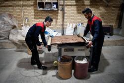 مشکلات بکارگیری اتباع بیگانه در دهاقان/وقتی صنایع ایرانی به نام دیگر کشورها صادر می شود