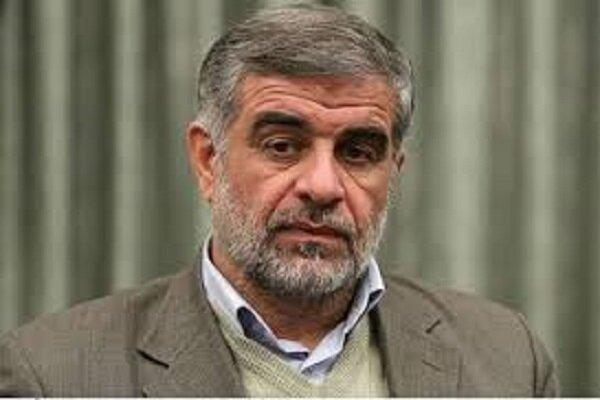 سفرهای استانی رئیسی کم هزینه است/ دولت روحانی از مردم دور بود
