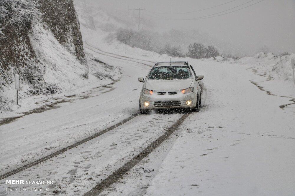 محورهای مواصلاتی کالپوش در شهرستان میامی مسدود شد