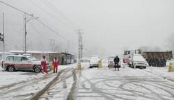 امدادرسانی به ۳۴۸ درراه مانده برف/ ۶۶ خودرو رهاسازی شد