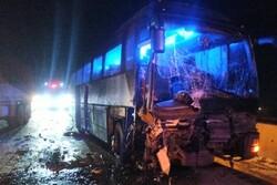 آتشسوزی اتوبوس مسافربری کرمان - اصفهان/ اتوبوس تهران - اصفهان دچار حادثه شد
