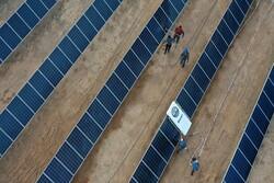 طراحی و ساخت رباتگردگیر پنلهای خورشیدی توسط پژوهشگران یزدی