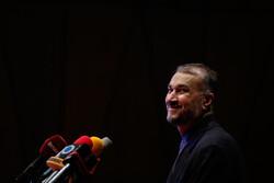 New Iran FM names neighbors as '#1 priority'