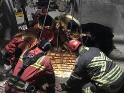 نجات جان کارگر محبوس در چاه توسط نیروهای آتش نشانی