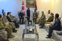 واکنش اعراب به «سفر جنگی» وزیر دفاع ترکیه به لیبی