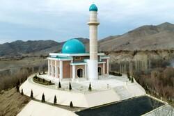 مسجدی که در منطقه ای مرتفع و با چشم اندازی زیبا بنا شده است