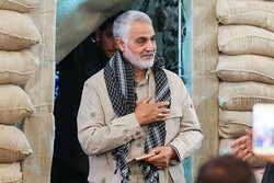 مجریان و گویندگان رسانه ملی راوی قصههای «حاج قاسم» شدند