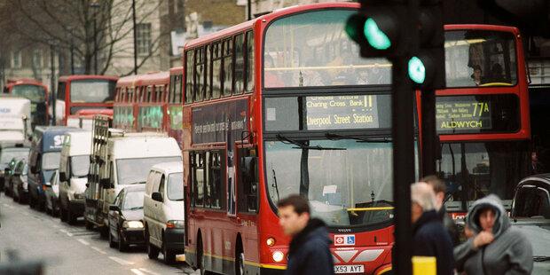 سقوط ۲.۶ درصدی اقتصاد انگلیس در ماه نوامبر