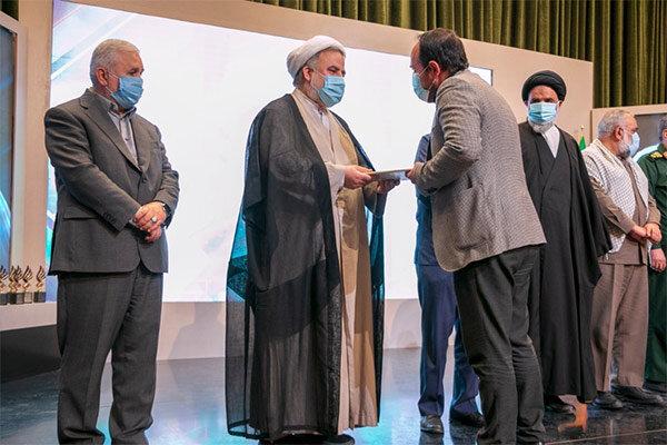 شهید سلیمانی یک ابررسانه است/ پایان یادواره با تجلیل از برگزیدگان