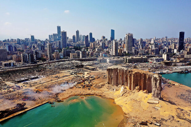 VIDEO: Dense smoke rises over Beirut