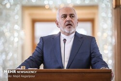 Zarif reacts to Pompeo's claims on Iran's link to Al-Qaeda