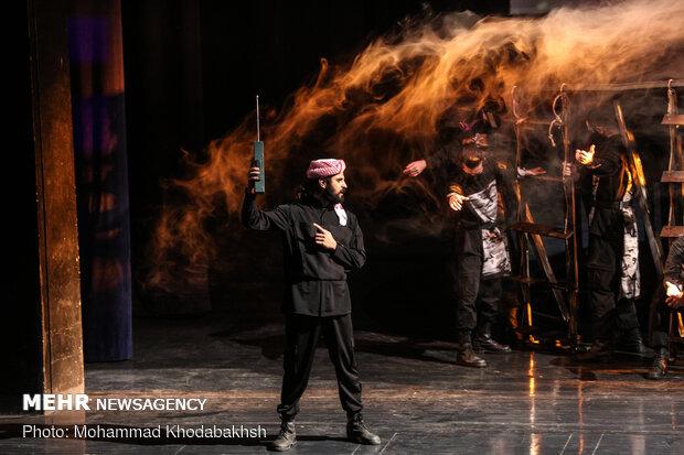 اجرای نمایش سرباز