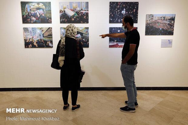 Artists showcase Gen. Soleimani pictures in Kish gallery
