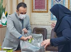 ۲ هزار بسته معیشتی توسط یک کتابخانه مشارکتی شیراز اهدا شد