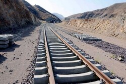 Iran inks contract with Afghanistan on rail export