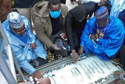 Afrikalı ziyaretçiler Şehit General Süleymani'nin mezarı başında