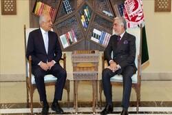 خلیلزاد و عبدالله درباره بازنگری توافقنامه دوحه رایزنی کردند