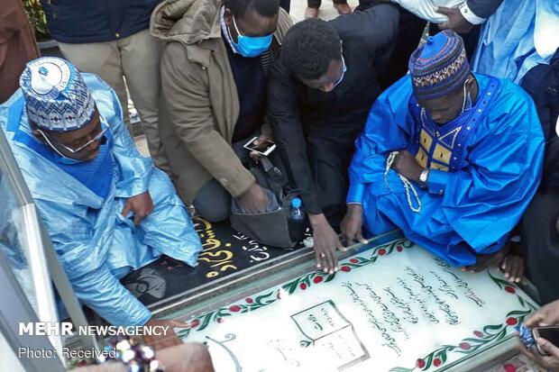 Sudan ve Nijeryalı bir grup şehit Süleymani'nin mezarını ziyaret etti