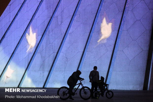 Video mapping on memorial of victims of Ukrainian plane