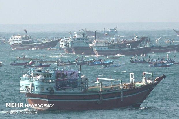 رژه ۷۰۰ شناور در سواحل استان بوشهر