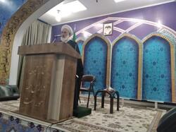 امام جمعه نباید در مسائل حزبی و گروهی وارد شود
