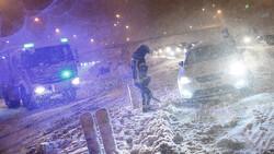 اسپین میں برفانی طوفان کے نتیجے میں ٹرین سروس معطل ہوگئی