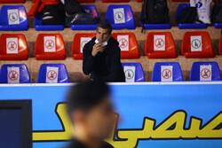 هادی ساعی در سالن مسابقات/ دبیر فدراسیون: حضور ساعی قانونی است