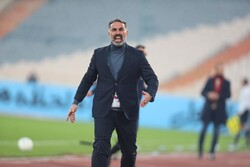 Esteghlal coach Fekri unhappy with referee's decisions