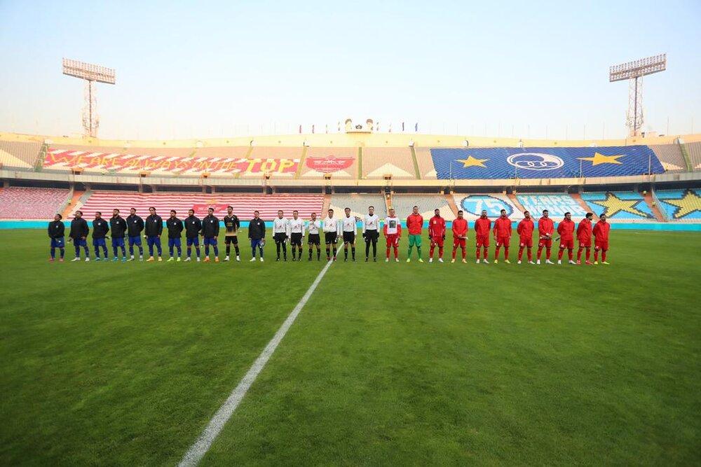 نود و چهارمین دیدار تیم های فوتبال استقلال و پرسپولیس درحالی با تساوی به پایان رسید که سرخپوشان تا ثانیههای پایانی از حریف جلو بودند اما در وقتهای اضافه استقلال به گل تساوی رسید.