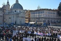 İtalya'da turizm sektörü çalışanları meydana indi