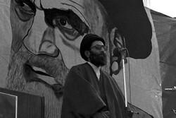 رهبر انقلاب الگوی برتر امامت جمعه هستند/ایشان تریبون نمازجمعه را از متهم شدن به جناحی بودن حفظ کردند