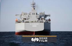 Bugün İran Donanması'na yeni savaş gemisi eklendi
