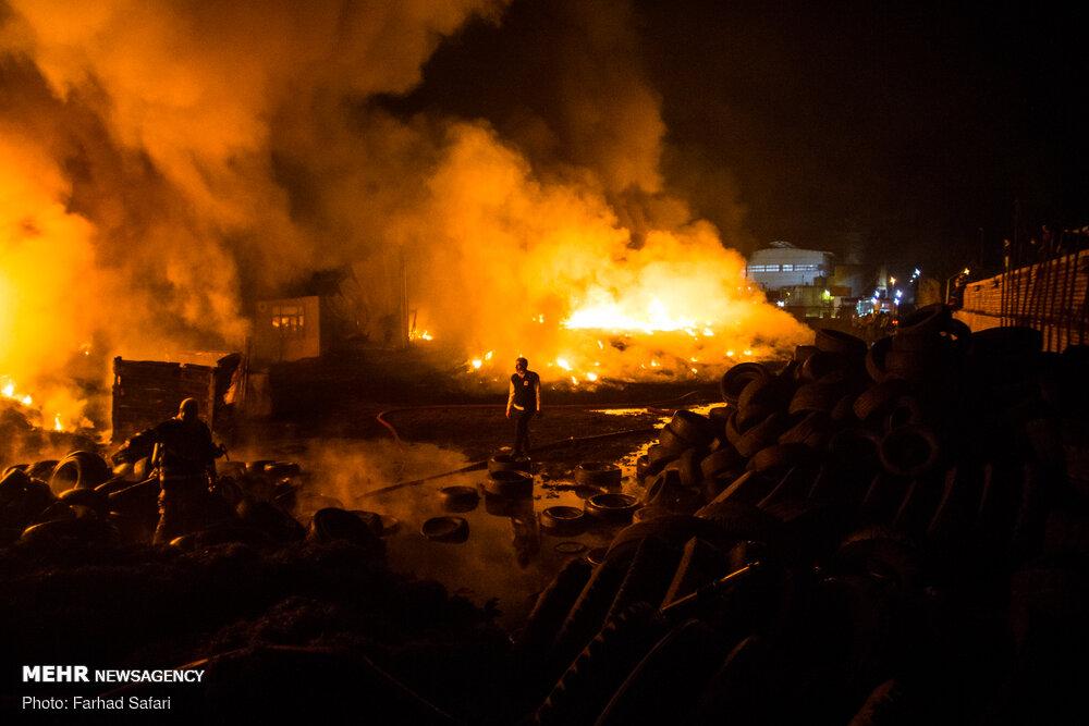 خبرگزاری مهر | اخبار ایران و جهان | Mehr News Agency - انفجار و آتش سوزی در واحد بازیافت لاستیک