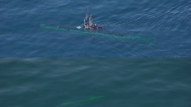 شلیک اژدر از زیردریایی بومی فاتح در رزمایش اقتدار دریایی ۹۹ نداجا,