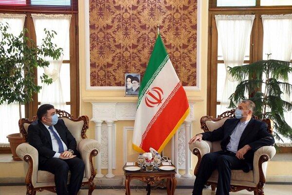 Tehran, Baku enjoy great capacities to boost economic coop.