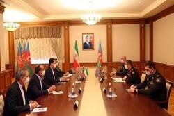 ايران وجمهورية آذربيجان تبحثان تطوير التعاون العسكري بينهما