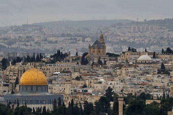 الاحتلال يطلق حملة استدعاءات بحق نشطاء فلسطينيين بالضفة الغربية