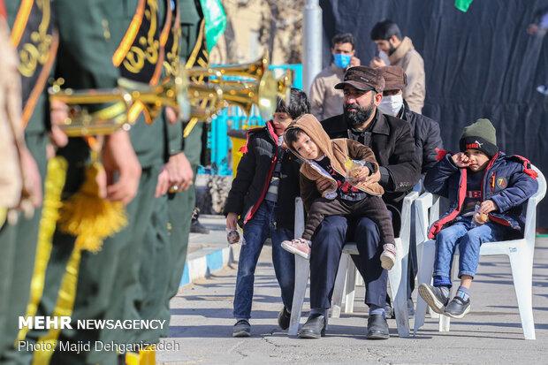 تشییع پیکر چهار شهید گمنام در دارالعباده یزد