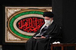 Leader attends mourning ceremony of Hazrat Fatemeh (PBUH)