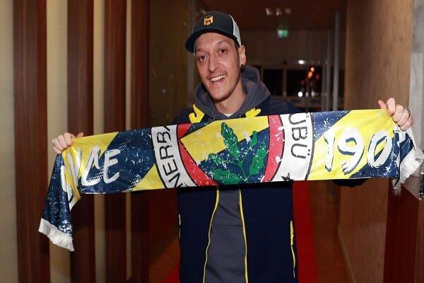 Mesut Özil imza için İstanbul'da