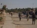 شهداء من الجيش العراقي في منطقة جرف الصخر خلال عدوان جوي امریکي