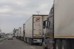 کامیونهای ایرانی از فردا وارد آذربایجان میشوند/ ماجرای تشکیل صف کامیونها در مرز آستارا چه بود؟