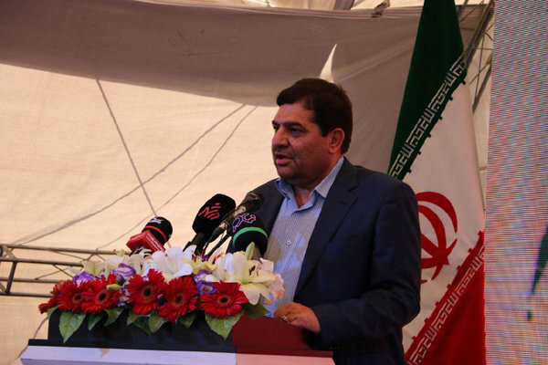 ایران را در تولید واکسن کرونا خودکفا میکنیم