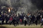 معترضان تونسی انحلال پارلمان را خواستار شدند