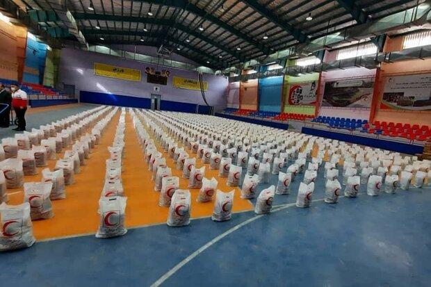 توزیع ۱۶۰۰ بسته معیشتی در بین اقشار آسیب دیده از کرونا در لرستان