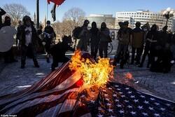 تظاهرات اعتراضی گسترده در آمریکا/ پلیس به معترضان یورش بُرد