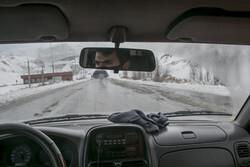بارش برف و باران در جادههای ۲۲ استان/ ترافیک سنگین در آزادراه قزوین-کرج