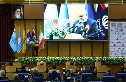 Zanganeh says not worried on regaining Iran oil market share