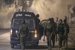 Tunus ordusu protestolar nedeniyle sokaklarda konuşlandı